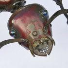 工業製品の廃材を組み合わせて作られた、生き物たちのとてもリアルでスチームパンクな彫刻作品